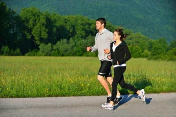 Chạy bộ buổi sáng có tác dụng gì?