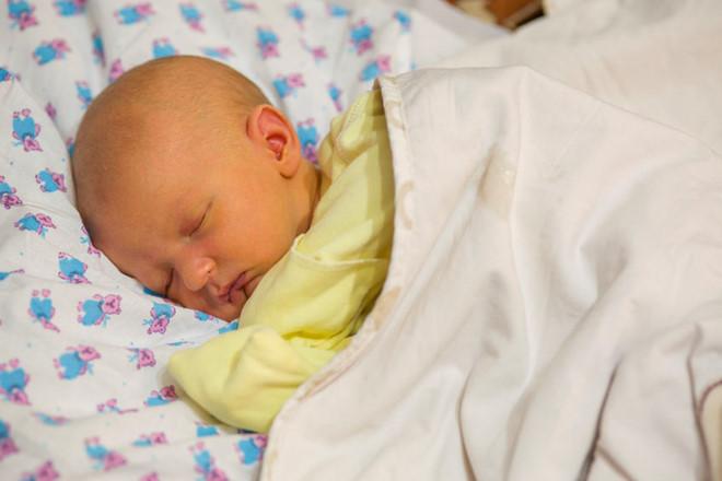 Giải đáp thắc mắc: Vàng da ở trẻ sơ sinh bao lâu thì hết?