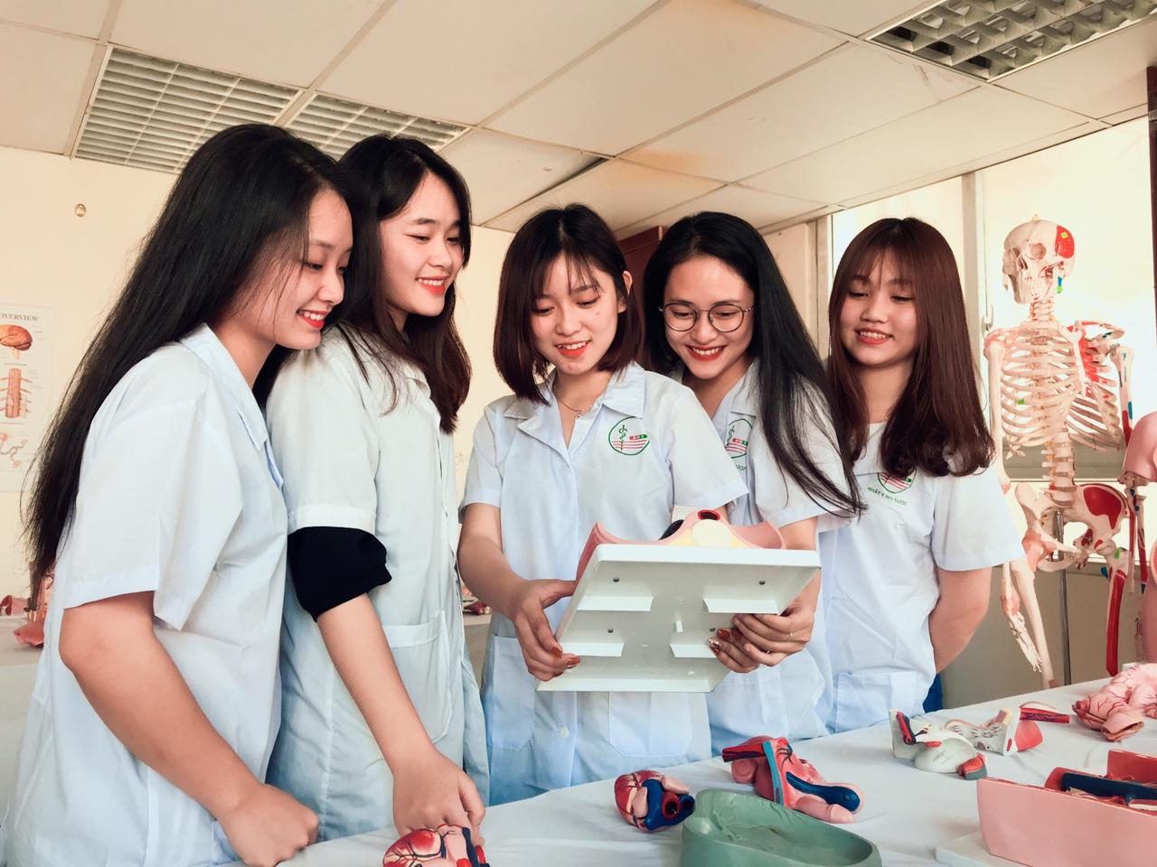 Tìm hiểu các trường Cao Đẳng đào tạo ngành Dược tại TPHCM